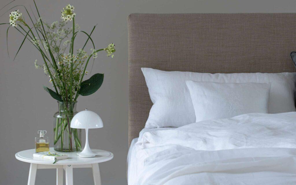 Leinen-Betwäsche MARSEILLE pure-white, Leinen-Decke AVIGNON pure-white by royalnyx